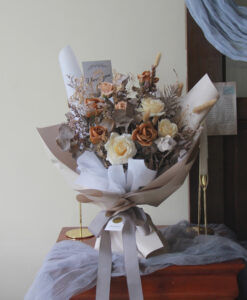 sarah bouquet 1x1 259
